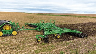 John Deere's 2630 Series Disks with TruSet™ Technology