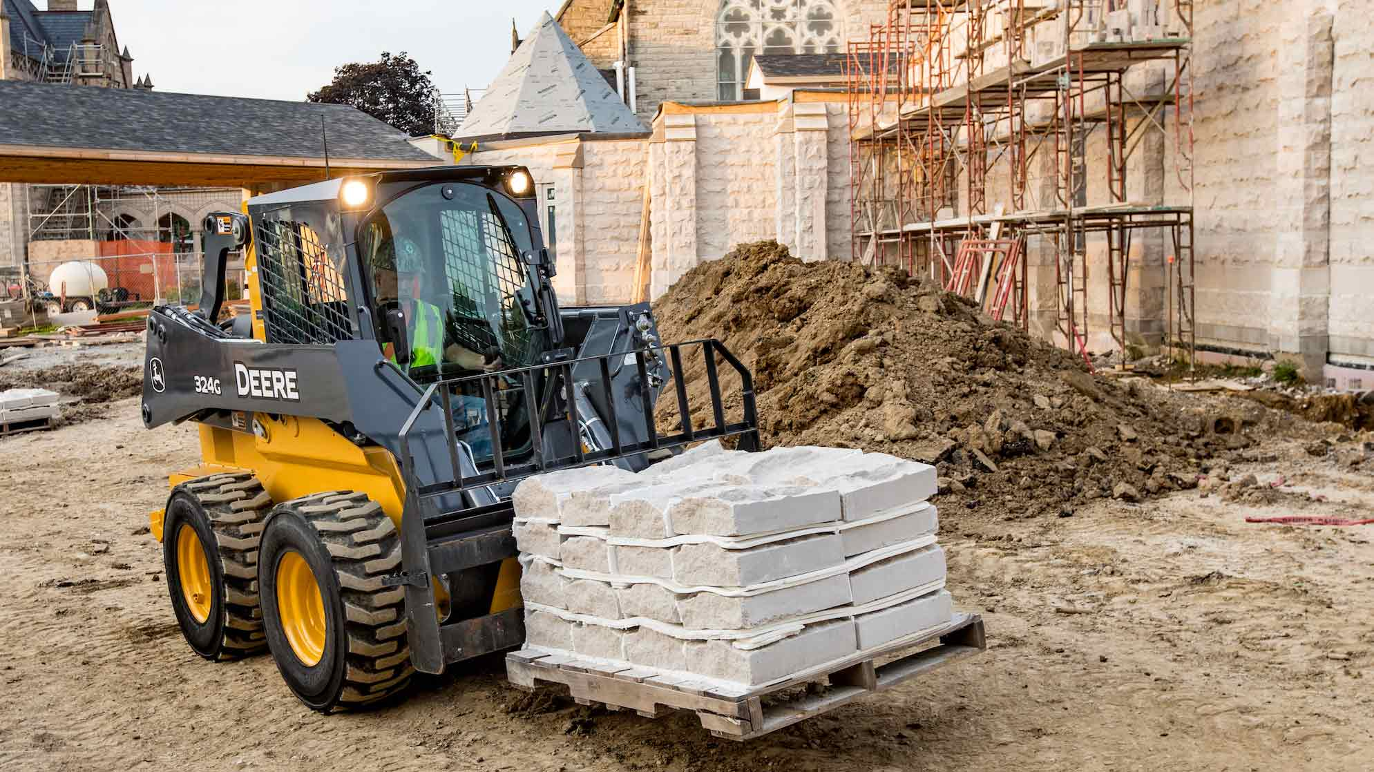G-Series Skid Steers & CTL Lineup with Mid-Frame Models