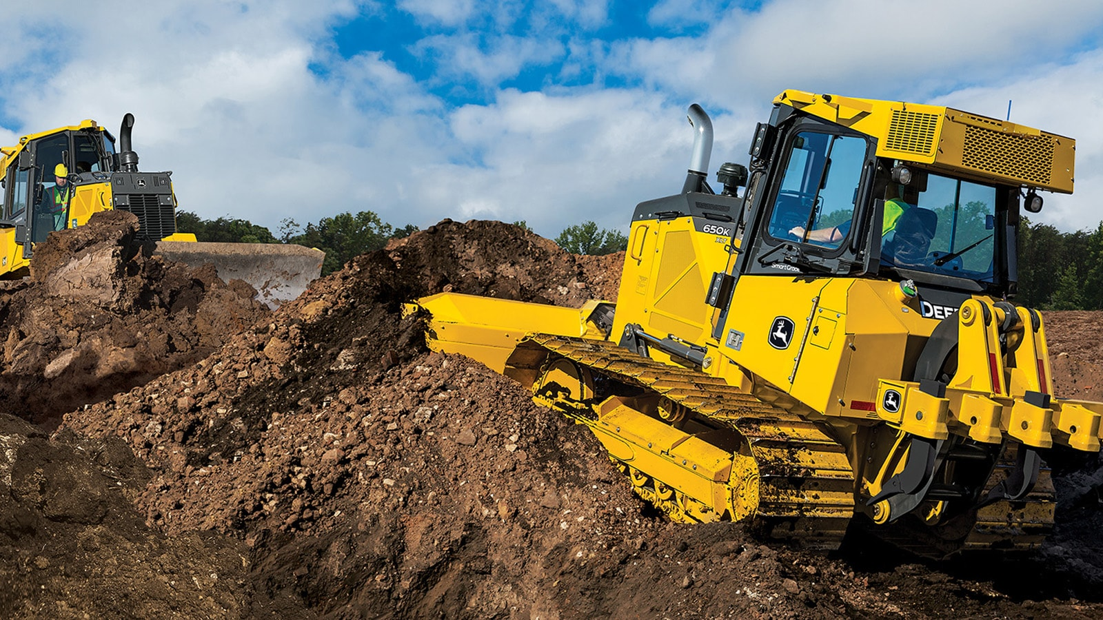 John Deere SmartGrade is now available on 650K crawler dozer
