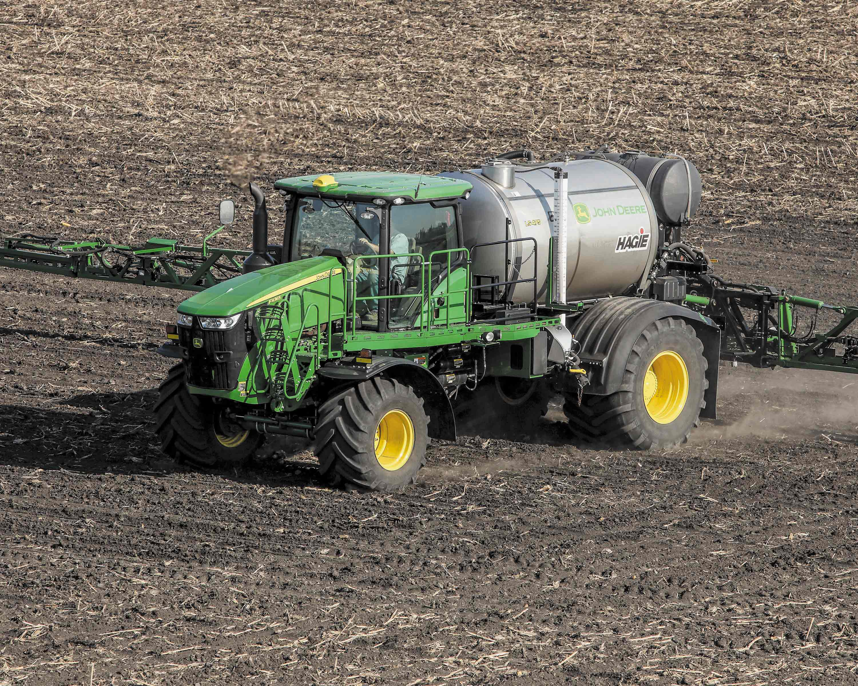 The LS475 Liquid System option for its F4365 High-Capacity Nutrient Applicator features a large 2,000-gallon tank.