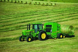All John Deere A520R and A420R Plus 2 Accumulators are compatible with 6-foot diameter John Deere 7, 8, 9 and 0 Series Round Balers.
