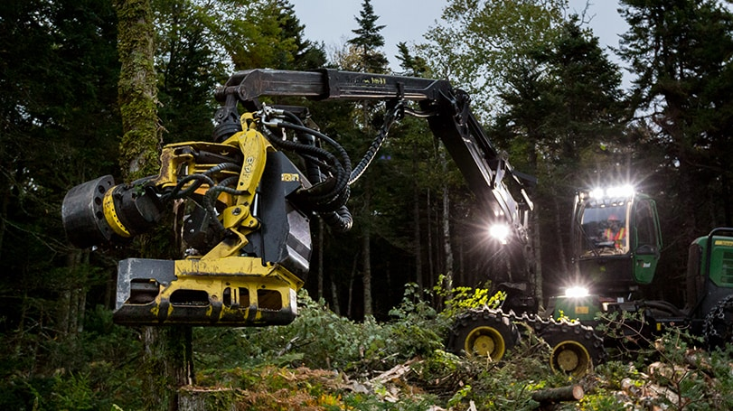 H480C Harvesting Head on a 1270E Harvester in the woods
