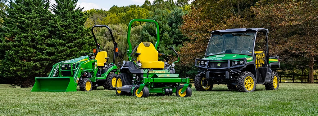 group shot of lawn tractors, zero-turn mowers and Gators™