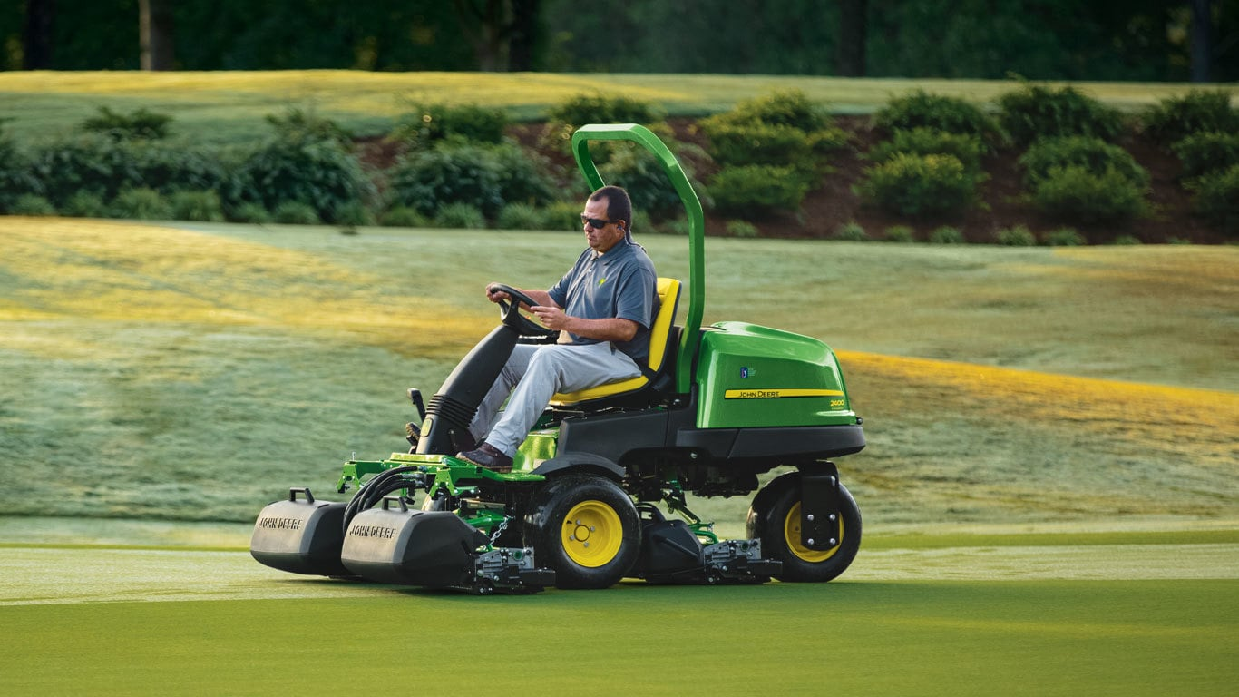 Field image of 2400 Precision Cut Riding Greens Mower