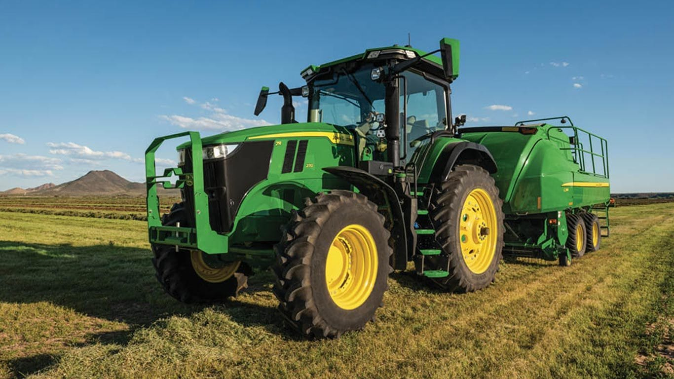 Field image of 7r 270 Row Crop Tractor