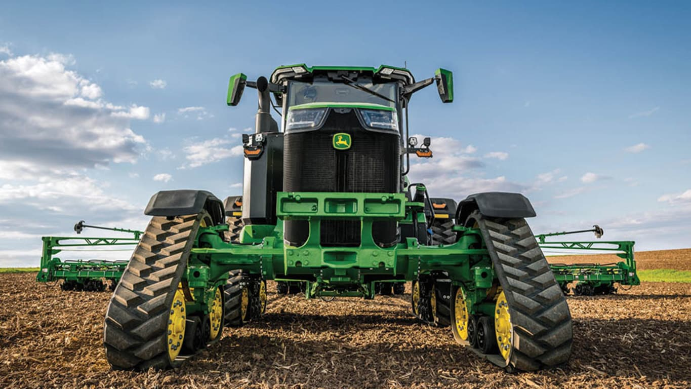Field image of 8RX 410 Track Tractors