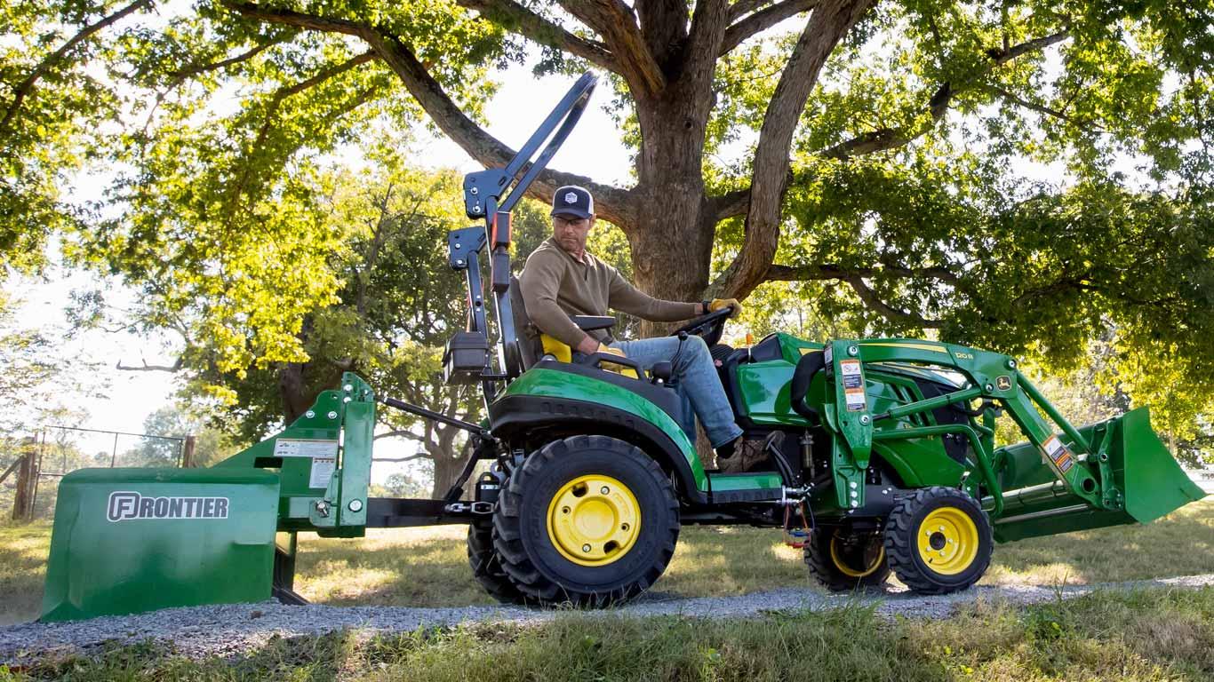 Sub Compact Tractors 22 24hp 1 Family Small Tractors John Deere Ca