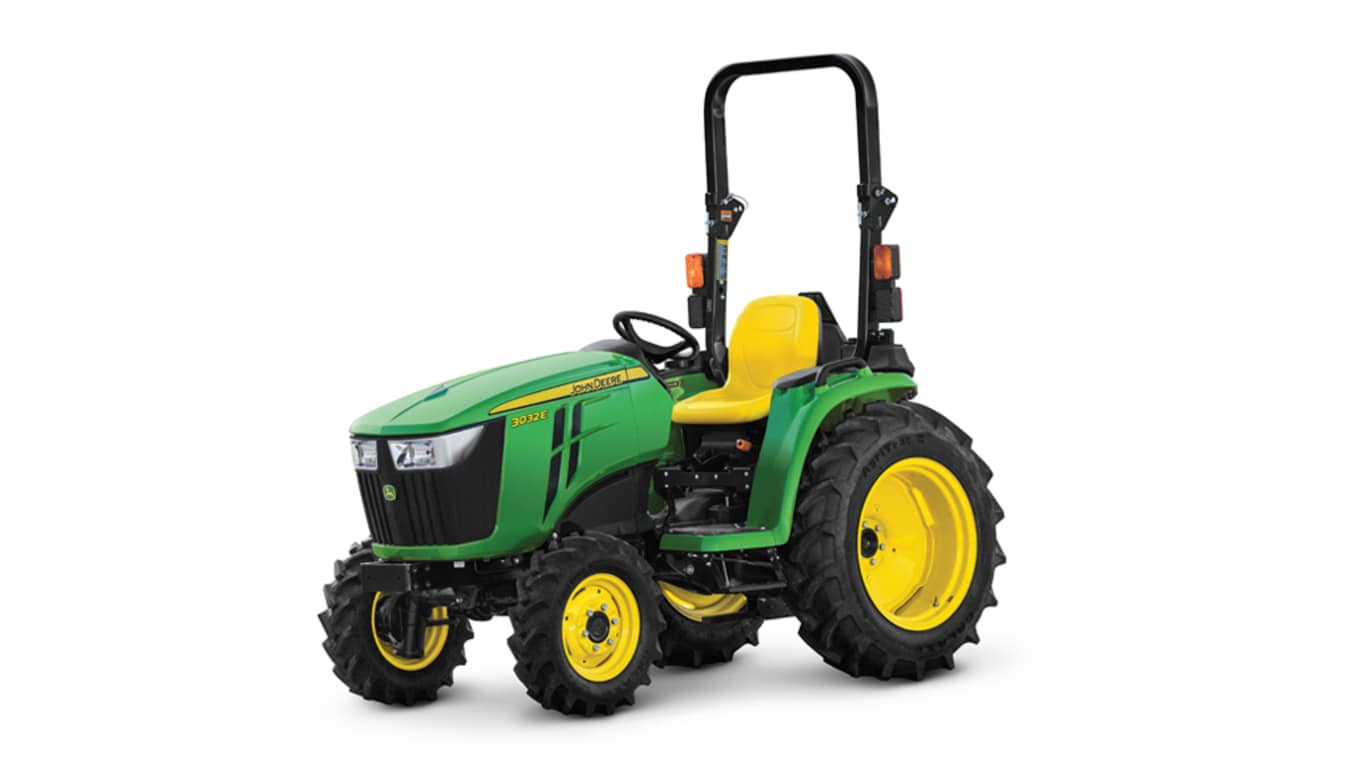 base model studio image of the John Deere 3032e compact utility tractor