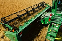 622 Flex Cutting Platform on a John Deere Combine