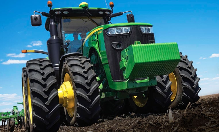 Image of an 8400R Tractor